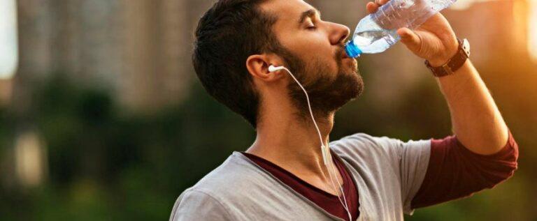 شرب الماء الدافئ على الريق يوميا له فوائد كثيرة ومنها …