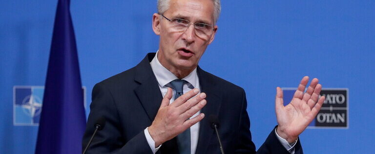 الناتو يرحب بلقاء بوتين وبايدن المرتقب
